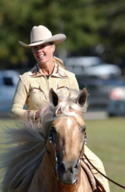 Tori Blankenship and Playboy's Sampson, of Sarasota, Florida win the FOSH Horse of the Year, 2008