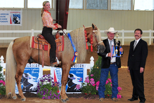 Tori Blankenship and Playboy's Sampson, of Sarasota, Florida win the 2008 FOSH Horse of the Year